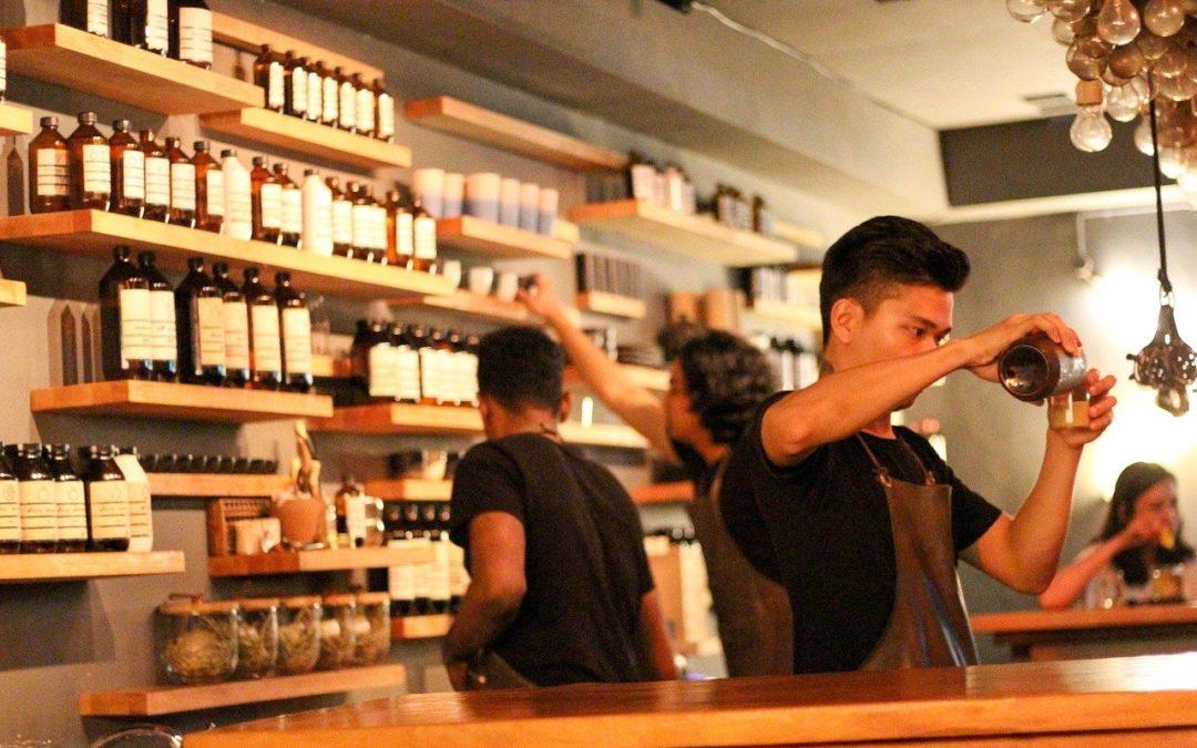 DIALOGUE 5: à la pharmacie